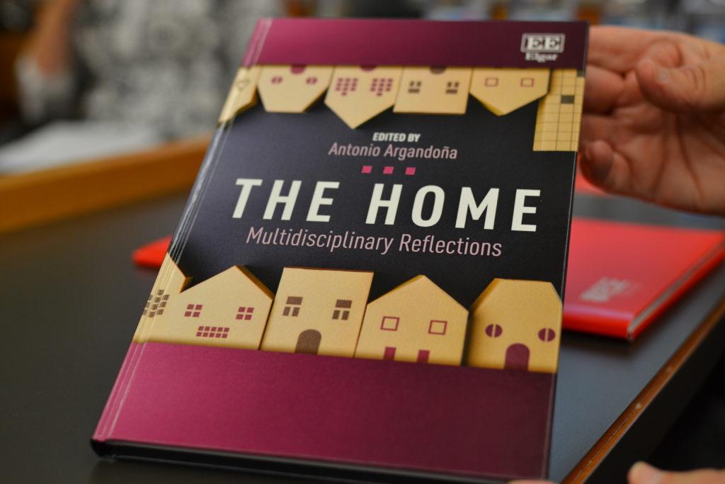 Book HRF